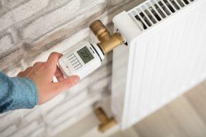 Viele Mieter und Vermieter streiten sich während der Heizperiode um die richtige Zimmertemperatur